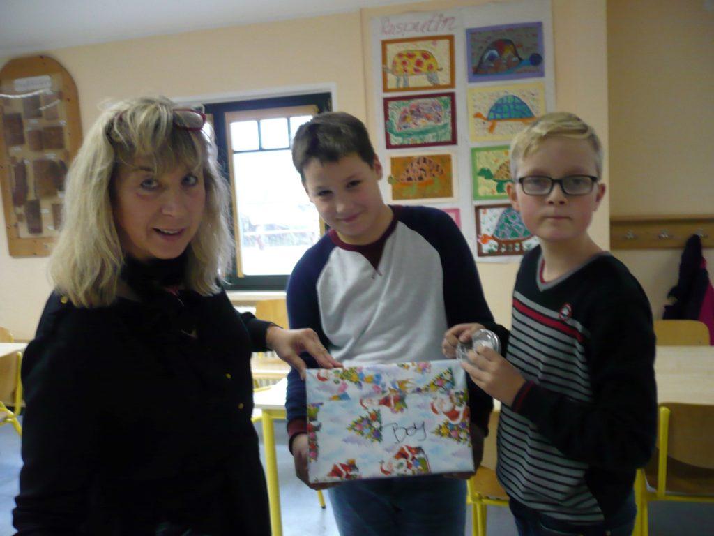 Weihnachtspäckchen 2016 - Vineta Grundschule Koserow